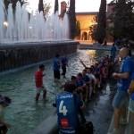 Chapuzón azul para celebrar el regreso del CD Puertollano a Segunda B