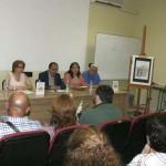 """Miguel Morales felicita a la autora de """"Legends in Castilla-La Mancha"""" por enseñar idioma y conocimiento del pasado"""