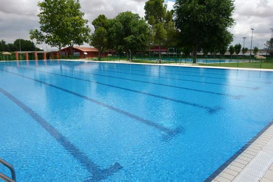 Comienza la temporada en la piscina municipal de verano en for Piscina municipal ciudad real