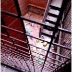 Puertollano: «Prisioneros» en sus casas, vecinos de Joan Miró 14 esperan reunirse en breve con los responsables de Gicaman