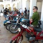 80 motos de otra época pasean su belleza por Manzanares