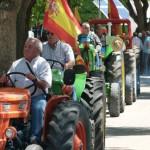 Manzanares: Un Farmall de más de 60 años, en la IX Concentración de Tractores Antiguos