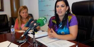 Mayte Fernández, hoy, durante su comparecencia ante los medios