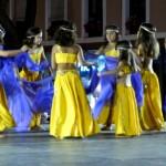 Baile y color en la Plaza de España de Daimiel a cargo de 'Amanecer' y 'Cristina Oviedo'