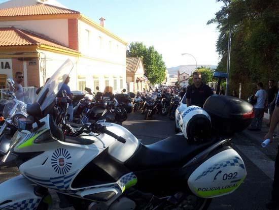 Un momento de la concentración motera, vigilada por la Policía Local. (Foto: Policía Local de Puertollano)