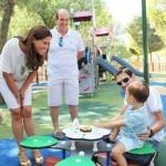 El no va más de las zonas de juegos infantiles en Ciudad Real: La alcaldesa estrena una «smart playground» cibernética