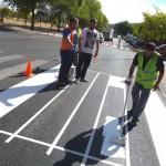 El Ayuntamiento de Puertollano comienza a pintar la señalización horizontal de tráfico y barandillas