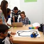 La Escuela Superior de Informática de Ciudad Real saca su actividad a la calle por su XXV aniversario
