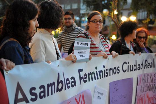 asamblea-feminismos-02