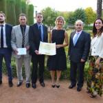 La ministra de Agricultura entrega el premio Mejor Vino 2013 a Dehesa del Carrizal por su 'Petit Verdot 2010', en Córdoba