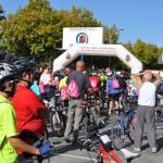 Vídeo y galería de fotos: Un pelotón interminable de ciclistas celebra el III Día de la Bicicleta de Ciudad Real