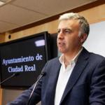El Ayuntamiento culpa a la Diputación de que no se recoja la basura los fines de semana y propone abandonar el Consorcio RSU