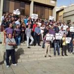 «Es una vergüenza que tengamos que estar aquí»: La Policía Local de Puertollano le monta una sonora pitada a la alcaldesa para reclamar la mesa policial