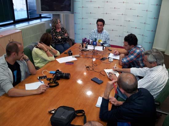 Florentino López, ante los medios