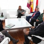 La alcaldesa de Ciudad Real recibe a miembros de la Casa de Castilla-La Mancha en Sevilla