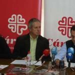 Una campaña de Cáritas pone el acento en el drama de los sin techofrente al «desmadre» de demasiadas cosas