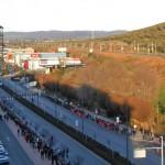 Puertollano: Centenares de personas forman una cadena humana para evitar el cierre inminente de Elcogas