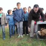 Lucas-Torres participa en la suelta de aves recuperadas en el Parque Nacional de Cabañeros