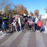 La Asociación Vecinal del barrio Camino de la Guija celebra la Navidad con una 'bicicletada'