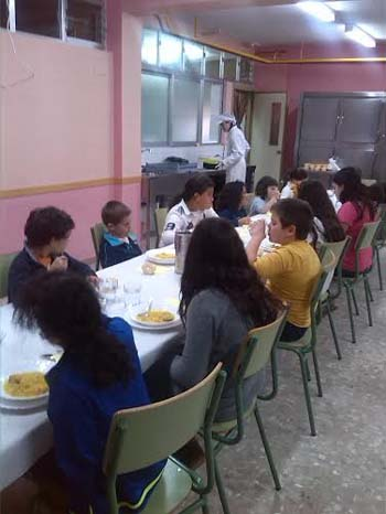 Becas de comedor diario digital for Cospedal comedores sociales
