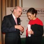 El presidente de Globalcaja recibe la insignia de oro y brillantes de la Cooperativa Virgen de las Viñas de Tomelloso