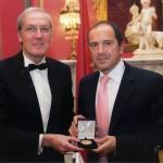 Un prestigiosa entidad europea premia la trayectoria profesional de un oftalmólogo del Hospital de Ciudad Real
