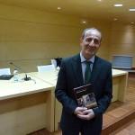 Ignacio Márquez Cañizares desentraña los secretos escondidos en un viejo álbum de fotos en «Susurros de luz»