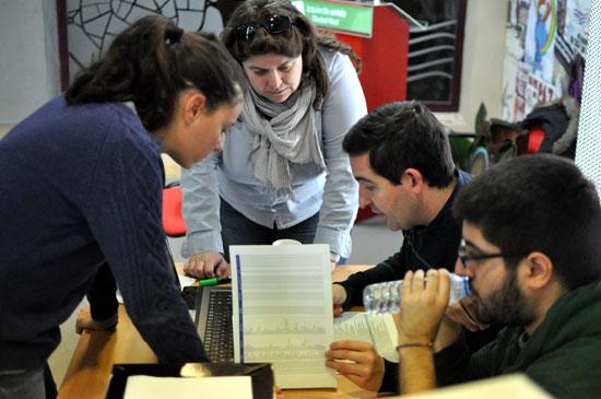 Votación en la sede de IU. Foto de archivo