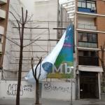 La lona publicitaria de la Plaza Cervantes vuelve a soltarse