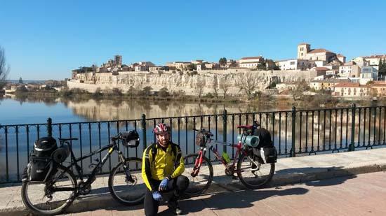 Cruzando el Duero por Zamora