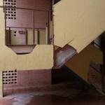 Se enfrentan con bates y palos a los ocupantes ilegales: Los vecinos alertan de que la situación está descontrolada en Joan Miró 14