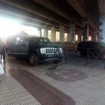 Puertollano: Un vehículo se lleva por delante la valla de protección bajo el puente del AVE