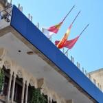 El Ayuntamiento ya tiene barandilla postiza en el balcón