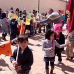 El CEIP Santa Teresa de Jesús de Calzada de Calatrava inicia sus vacaciones de Semana Santa a ritmo de tambor