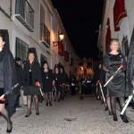 Almagro:Más de un centenar de mujeres vestidas de mantilla, de todas las edades, acompañaron a La Soledad