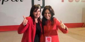 Fernández (izquierda), posa junto a la candidata a la alcaldía de Ciudad Real, Pilar Zamora
