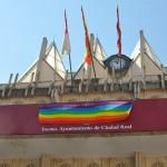 La bandera del colectivo LGTBI volverá al balcón del Ayuntamiento de Ciudad Real