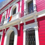 La bandera gay ondea por primera vez en un edificio municipal de Puertollano