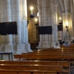 Denuncian que las pantallas instaladas en la Iglesia de San Pedro alteran la estética del monumento