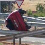 El vuelco de campana de un vehículo se salda con dos heridosen la autovía Ciudad Real-Puertollano