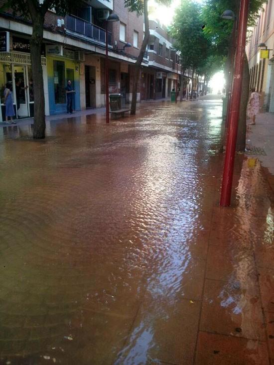 calle-luz-inundada