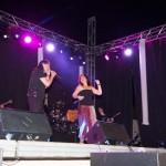 Porzuna vibra con el concierto de Camela y los más pequeños disfrutan del show de Las Zascanduri