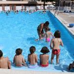 Continúan los cursos de natación en la Piscina Municipal de Miguelturra