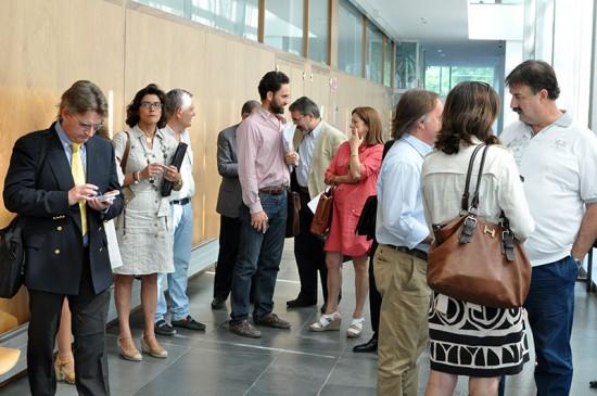 Representantes de las sociedades involucradas esperan el inicio de la subasta del Aeropuerto, el pasado 17 de julio