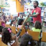 Instrumentos musicales y cuentos crean un espacio mágico en la Biblioteca de Daimiel