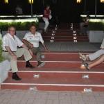 Los mayores se quejan por la falta de sillas en el espectáculo fin de fiestas