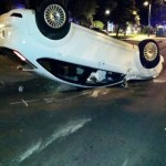 Puertollano: Espectacular vuelco de un vehículo en la calle Ancha