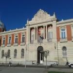 El presidente de la Diputación sugiere que los bancos pongan viviendas vacías a disposición de los refugiados