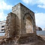 El Ayuntamiento adjudica el estudio arqueológico y la limpieza del arco del Torreón