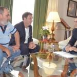 El alcalde de Santa Cruz de los Cáñamos pide ayuda para terminar el centro social